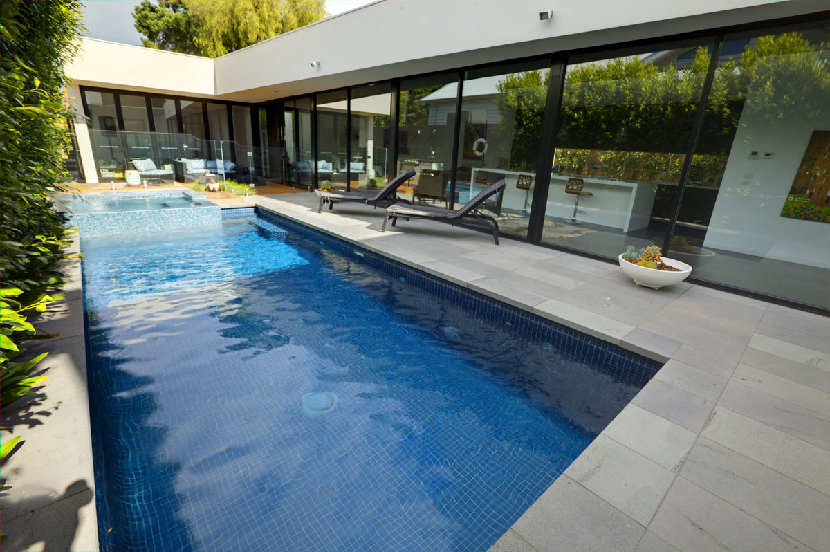Swimming pool building melbourne geelong custom pool builders for Swimming pool builder melbourne