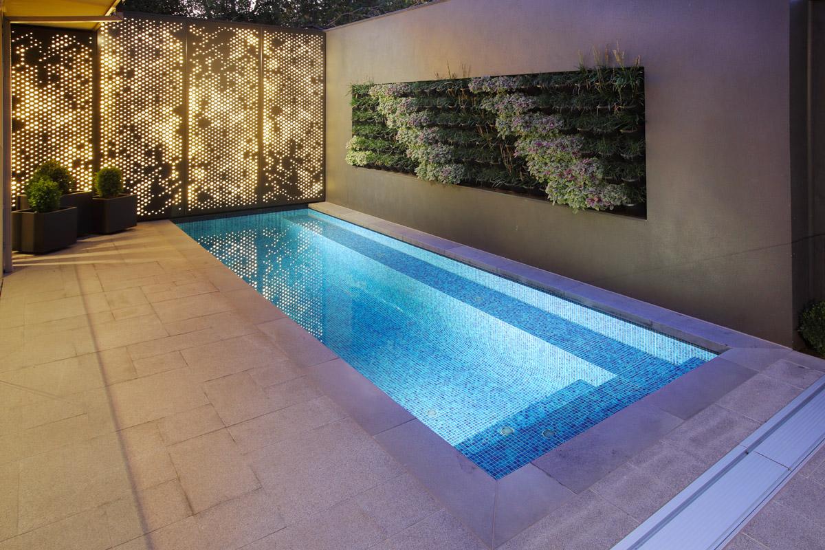 Melbourne geelong pool custom swimming pool builder for Pool lights melbourne