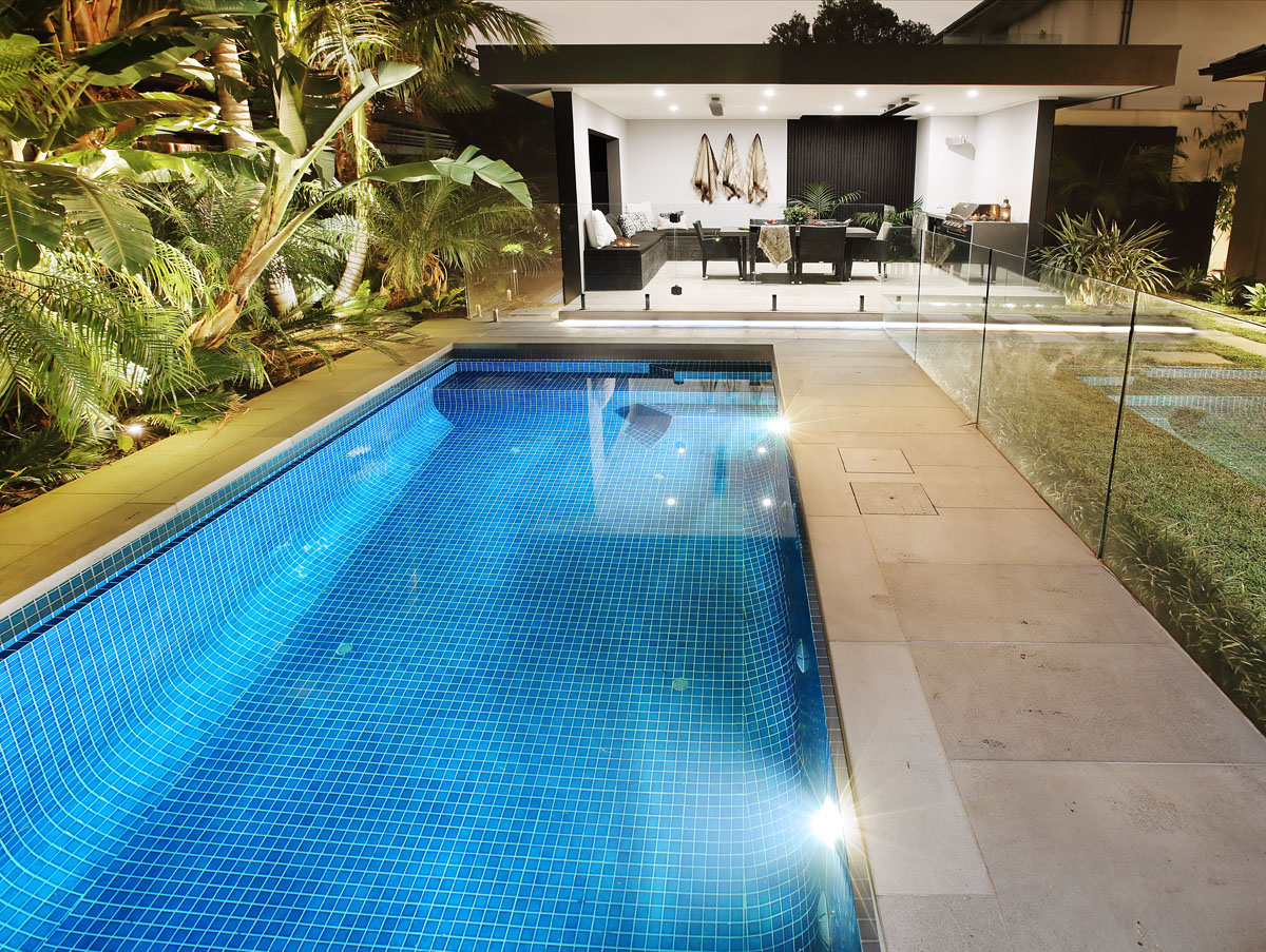 Melbourne Pool builder – Custom Outdoor Rooms and Landscaping